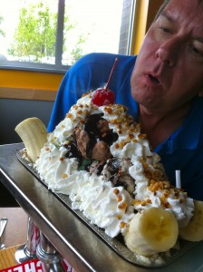Colonial Cafe Kitchen Sink Sundae