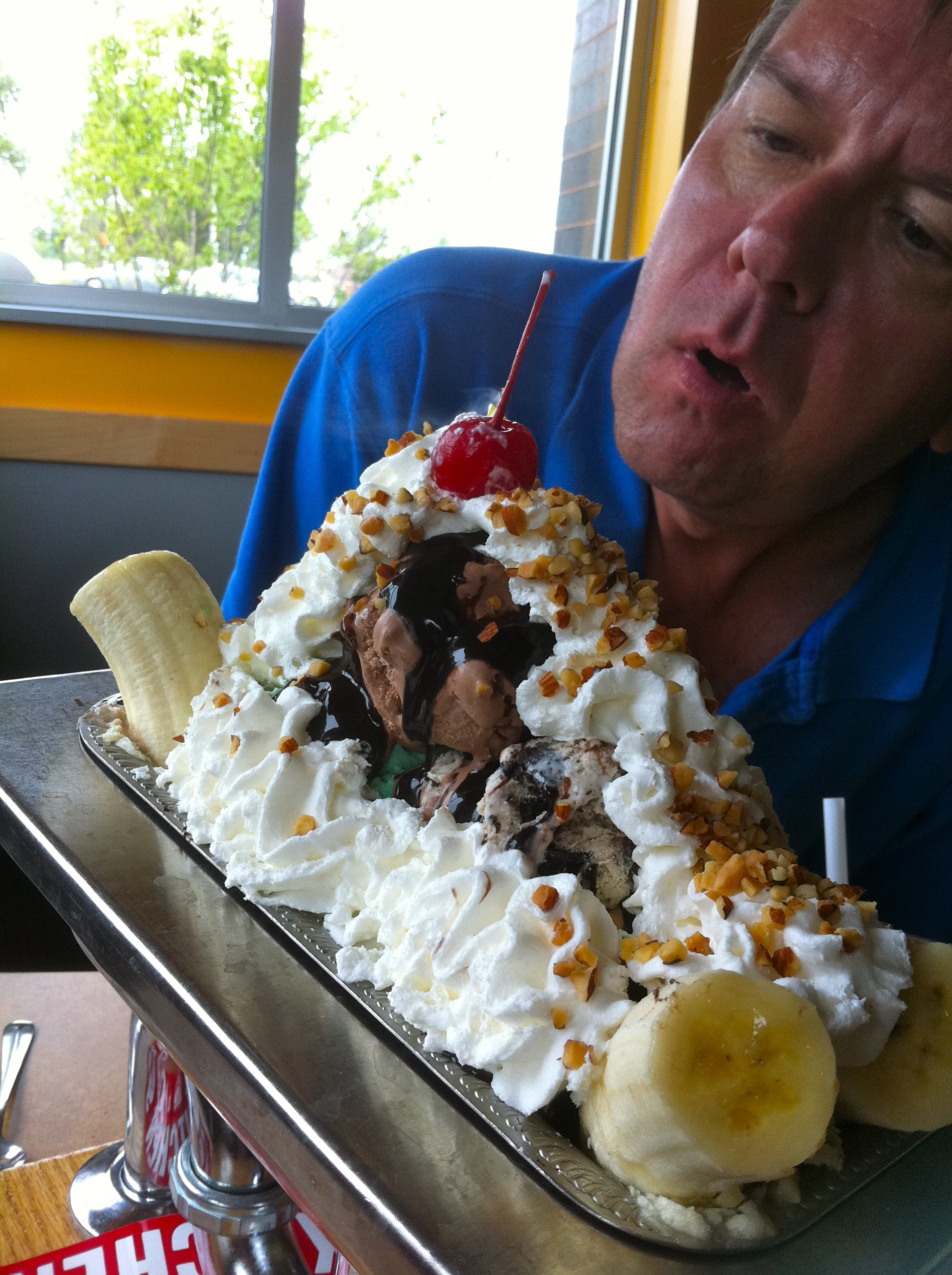 Colonial Cafe and Ice Cream in Crystal Lake Kitchen Sink Sundae